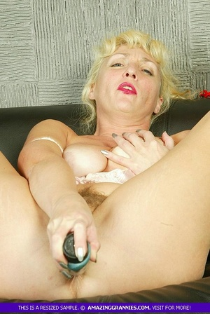 Blonde granny with fat body shows her lu - XXX Dessert - Picture 6