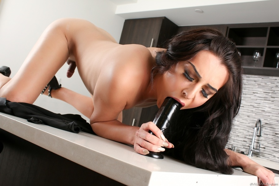 Are black slut with dildo