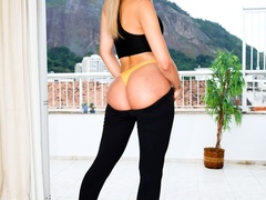 Perky trans in tight leggings shows off her round - XXXonXXX - Pic 3