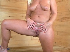 Fat granny shows her lusty boobs as she pose - XXXonXXX - Pic 11