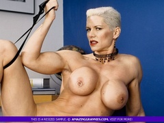 Muscular granny pose naked and reveals her big - XXXonXXX - Pic 2