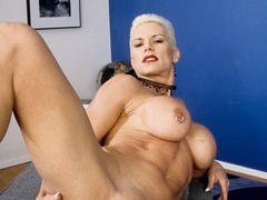 Muscular granny pose naked and reveals her big - XXXonXXX - Pic 7