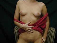 Mature blonde pose her alluring body then pulls - XXXonXXX - Pic 9