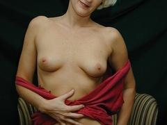 Mature blonde pose her alluring body then pulls - XXXonXXX - Pic 10