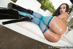 Blue fishnets brunette getting her asshole pounded raw - XXXonXXX - Pic 4