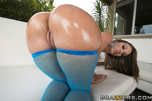 Blue fishnets brunette getting her asshole pounded raw - XXXonXXX - Pic 6
