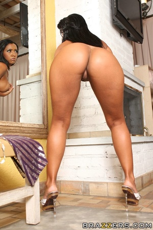 Indian brunette gets her asshole penetrated from behind - XXXonXXX - Pic 2