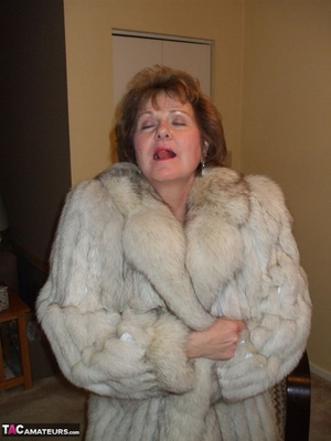 Sorry, that Moms xxx in fur coat