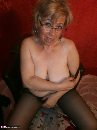 mature slut big tits