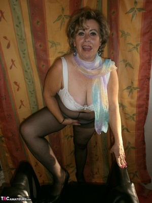 Hot ass MILF is wearing nylon pantyhose while playing with her natural boobs - XXXonXXX - Pic 9