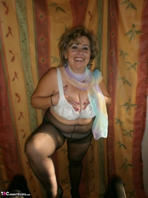 Hot ass MILF is wearing nylon pantyhose while playing with her natural boobs - XXXonXXX - Pic 11