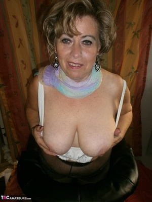 Hot ass MILF is wearing nylon pantyhose while playing with her natural boobs - XXXonXXX - Pic 17