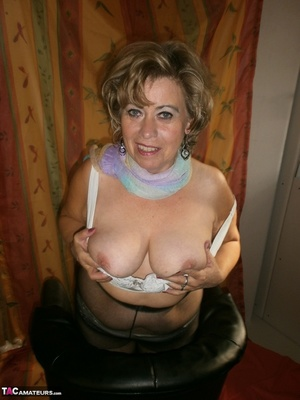 Hot ass MILF is wearing nylon pantyhose while playing with her natural boobs - XXXonXXX - Pic 18
