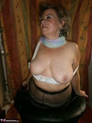 Hot ass MILF is wearing nylon pantyhose while playing with her natural boobs - XXXonXXX - Pic 19