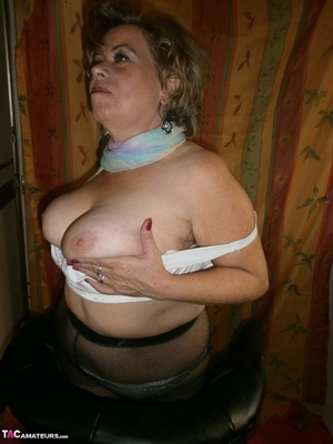 Hot ass MILF is wearing nylon pantyhose while playing with her natural boobs - XXXonXXX - Pic 20