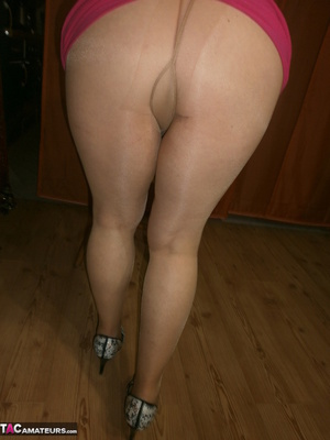 Stunning blonde cougar is playing with her saggy tits and hairy twat - XXXonXXX - Pic 4
