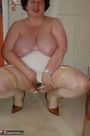 chubby mature slut seen