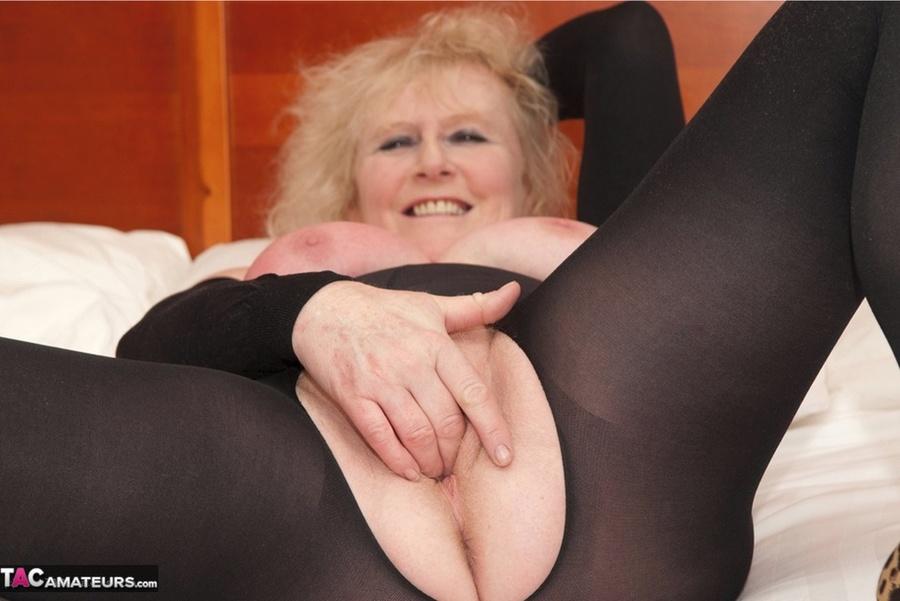 Big booty black midget women naked