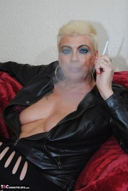 this bbw blonde granny