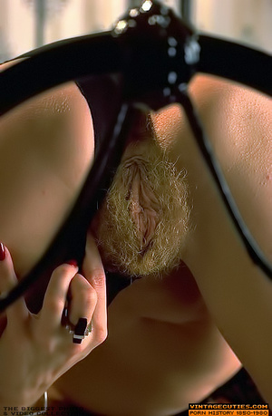 This seductive tramp in white closes her - XXX Dessert - Picture 3