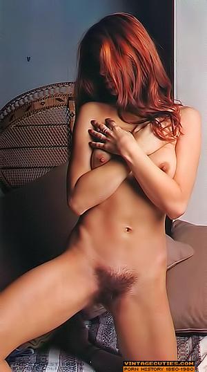 This seductive tramp in white closes her - XXX Dessert - Picture 8