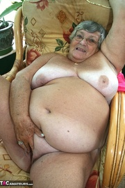 wonderful blonde granny bubblegum