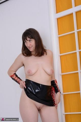 enjoyable brunette milf wearing