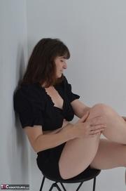 horny brunette milf black