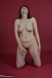 naked brunette milf pleasures