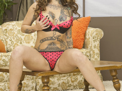 Leashed European brunette fucked by a tatted-up - XXXonXXX - Pic 1