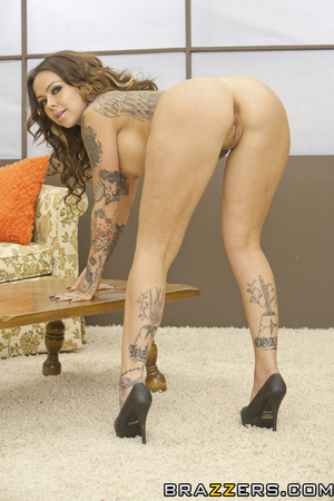 Leashed European brunette fucked by a tatted-up lesbo - XXXonXXX - Pic 4