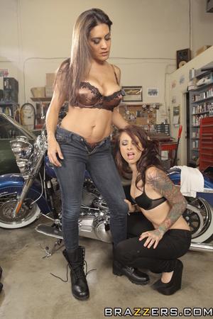 Jeans-wearing brunette mechanic fucking her hot customer - XXXonXXX - Pic 9