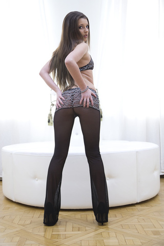 long legged cutie sucking