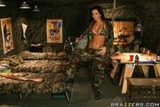 isanely hot army babe
