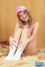 teen hottie displays her