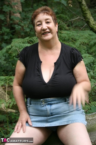 mature bbw displays size