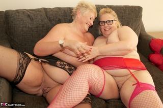 blonde grannies display size