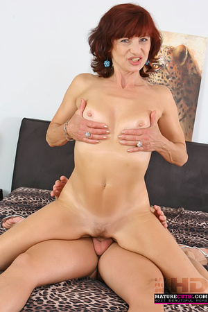 Mature redhead with small breast and blue eyes riding shaved pecker on the wide bed - XXXonXXX - Pic 5