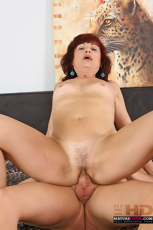 Mature redhead with small breast and blue eyes riding shaved pecker on the wide bed - XXXonXXX - Pic 10