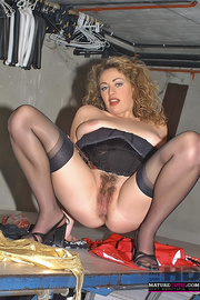 curly hair milf black