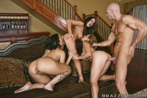 A hot fourway fuck happens during a game of naked Twister for three chicks and a stud. - XXXonXXX - Pic 13