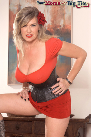 Hot shaped busty milf in short tight dress flaunts rings on her big tits and pussy - XXXonXXX - Pic 2