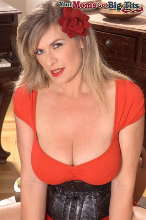 Hot shaped busty milf in short tight dress flaunts rings on her big tits and pussy - XXXonXXX - Pic 3