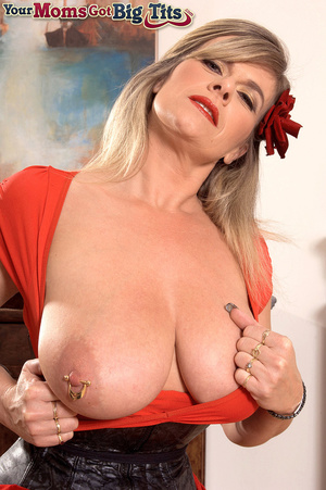 Hot shaped busty milf in short tight dress flaunts rings on her big tits and pussy - XXXonXXX - Pic 12