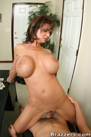 abbie johnson anal deauxma porn