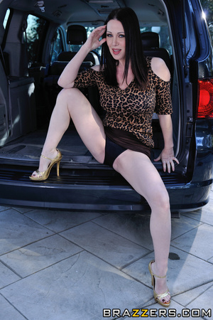 Horny mom gets stuffed by her daughter's husband in the car. - XXXonXXX - Pic 2