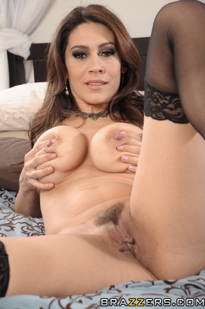 Brunette mom steals daughter's boyfriend in the bedroom for her own pleasure. - XXXonXXX - Pic 10