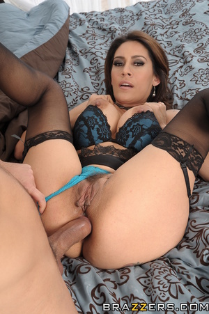 Brunette mom steals daughter's boyfriend in the bedroom for her own pleasure. - XXXonXXX - Pic 14