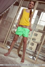 slender body teen yellow