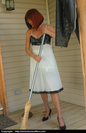 Redhead MILF cleaning her porch, stripping and peeing - XXXonXXX - Pic 3